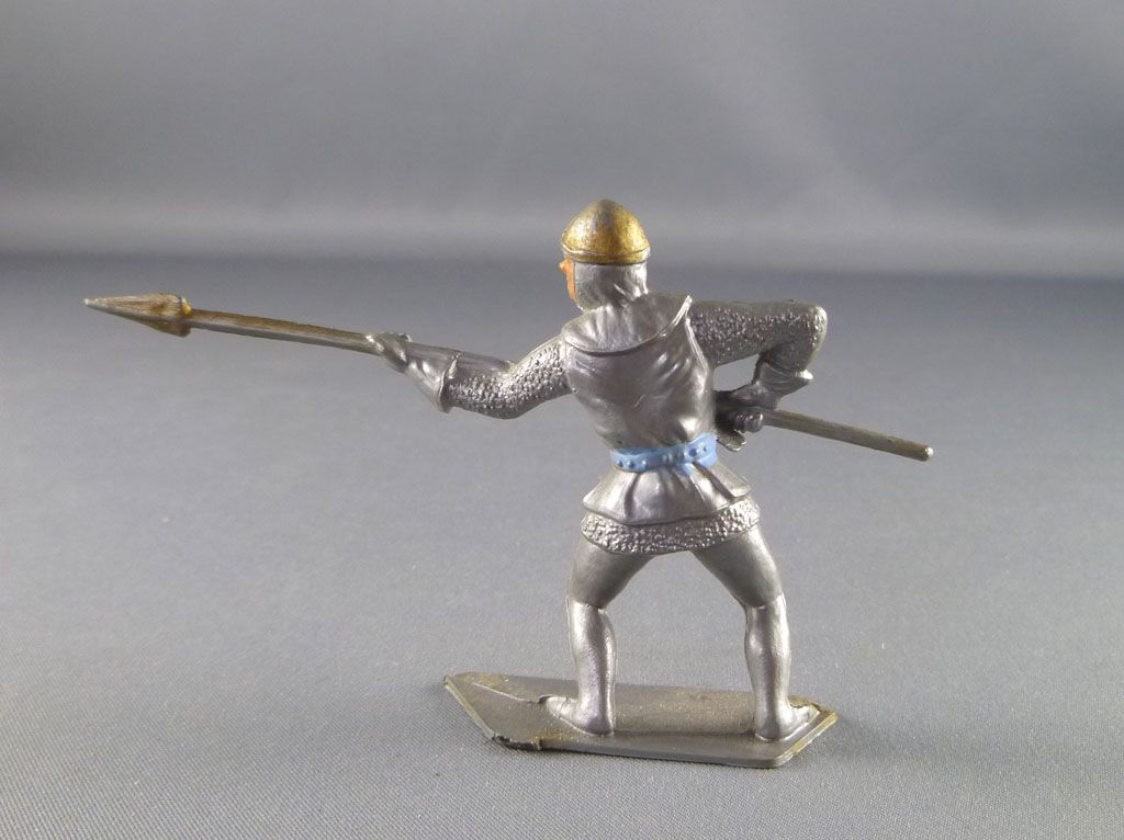 cofalu___54mm___moyen_age___pietons_soldat_attaquant_lance_2