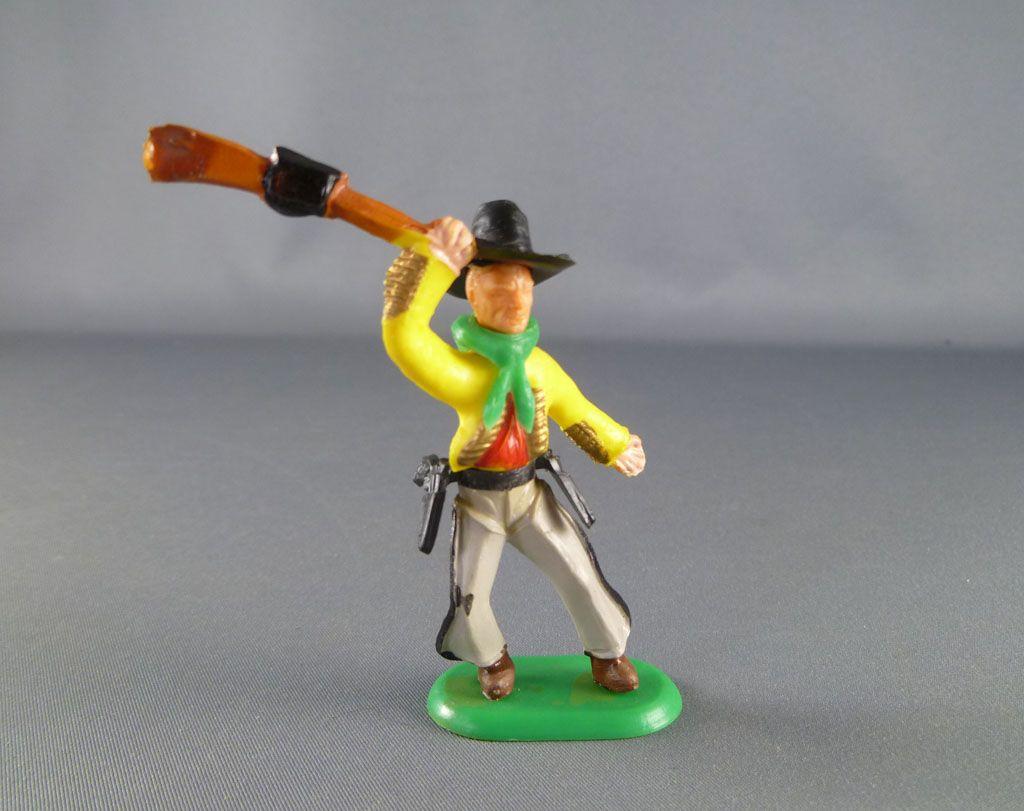 cyrnos___far_west___cow_boys_swoppet_type2_pieton_brandissant_fusil_main_droite_chapeau_colle_1
