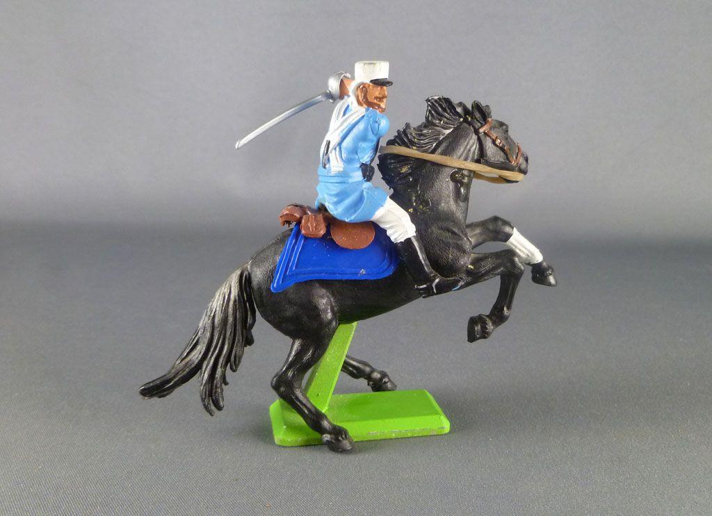 britains_deetail_legion_etrangere_francaise_cavalier_regardant_a_droite_sabre_sur_l_epaule_cheval_cabre_noir_2