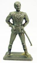 Thierry la Fronde - Figurine MC Caiffa - Thierry en habit de cour sans cape mains sur les hanches