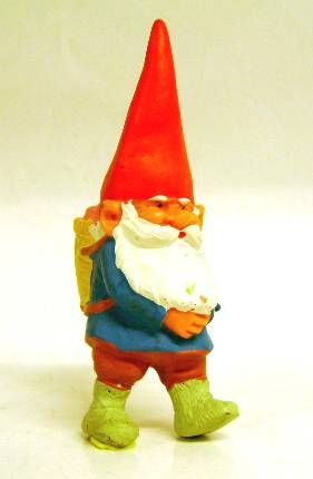 Les aventures de David le Gnome - Figurine PVC - David avec un panier dans le dos
