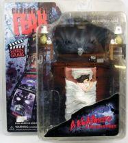 a_nightmare_on_elm_street___screen_grabs_cinema_of_fear___mezco