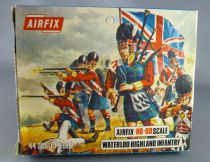 Airfix 72°  Waterloo British Highland Infantry S35 Mint in type2 Box