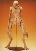 Alien Resurrection - Tsukuda - Newborn Alien 1/5 PVC Figure