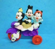 Animaniacs - McDonald\'s Premium Figure - Yakko, Wakko and Dot on dreirad