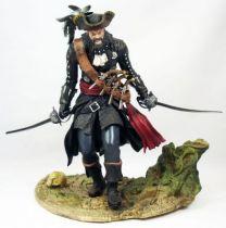 assassin_s_creed_iv_black_flag___blackbeard_the_legendary_pirate___statue_22cm_ubisoft_attakus
