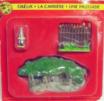 Asterix - ATLAS Editions - Gaul\\\'s village - #02 : Obelix + quarry + fence