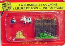 Asterix - ATLAS Editions - Gaul\\\'s village - #11 : Farmer woman with cow + haystack + fence