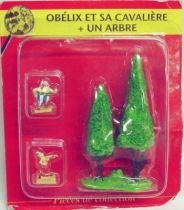 Asterix - ATLAS Editions - Gaul\'s village - #15 : Obelix with dancing partner + trees