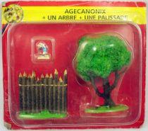 Asterix - Editions ATLAS - Le Village - n°29  Agecanonix + un arbre + une palissade