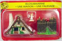 Asterix - Editions ATLAS - Le Village - n°33  Ielosubmarine + une maison + une palissade