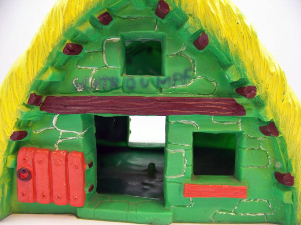 Asterix - Bully 1974 - PVC Figure - Asterix\'s house