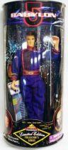 Babylon 5 - Captain John Sheridan (tenue mauve) (25cm) - Exclusive Premiere