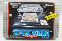 bandai_electronics___handheld_lcd_game___zaxxon__double_panel__01