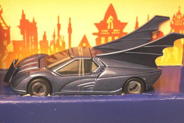 Batman - Corgi - Batmobile 2000\'s