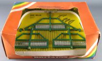 Britains - The Farm - Implement Gang Roller (ref 9554) (Mint in box)