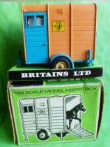 Britains Agricole Van avec cheval neuf boite (réf 95477)