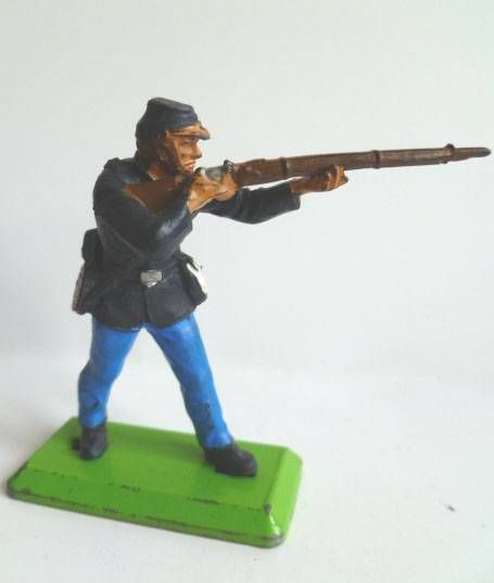 Britains Deetail - Federate - Footed firing standing rifle