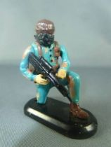 Britains Deetail - Modern Army - Camo Force Firing rifle kneeling Moving Arms