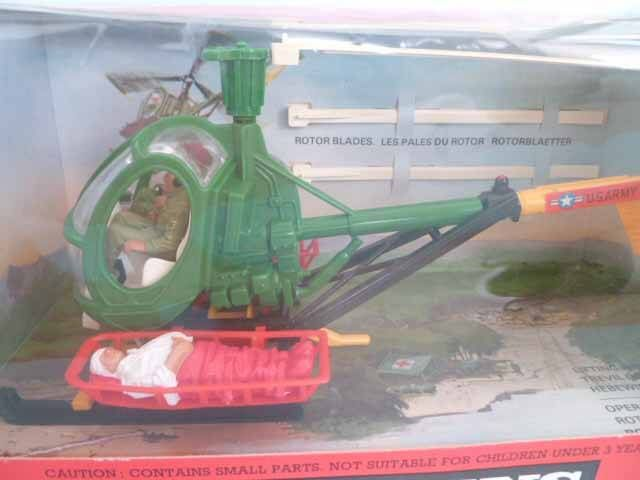 Britains Deetail American vehicle Military Rescue Helicopter Mint in box (ref 9761)