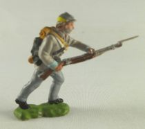 Britains Herald - Confederate - Footed Chargin with rifle yellow line on cap