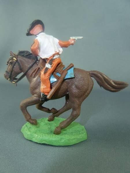 Britains Hong Kong - Cowboy - Mounted masked bandit (orange)
