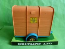 Britains Horse Box with horse (ref 9547)