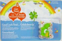Care Bears - Kenner - Miniature - Good Luck Bear pouring 4-leaf clovers (large card)