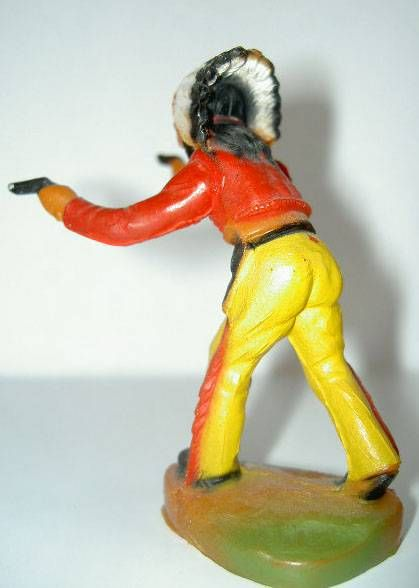 Clairet - wild west - indian 1st series - footed standing chief fighting 2 pistols (yellow pants)