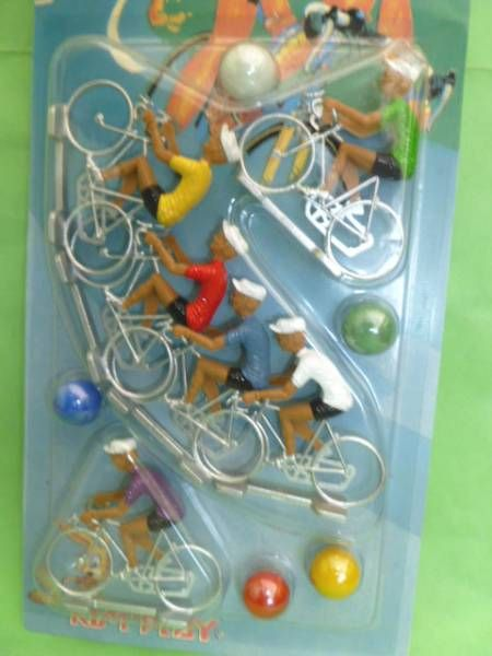 Cofalu - Le Champion - 6 cyclists (plastic) Mint on Card