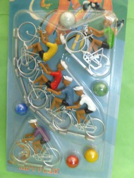 Cofalu - Le Champion - Blister de 6 coureurs cyclistes plastique