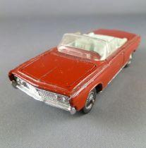 Corgi Toys 246 Chrysler Imperial Convertible rouge