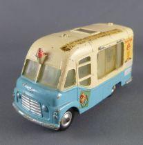 Corgi Toys 428 Smith\'s Karrier Van Ice Gream Mister Softee