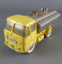 Corgi Toys 460 Neville Cement Tipper ERF Model 64G