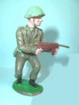 Crescent Toy - WW2 - British Infantry firing MP from hip