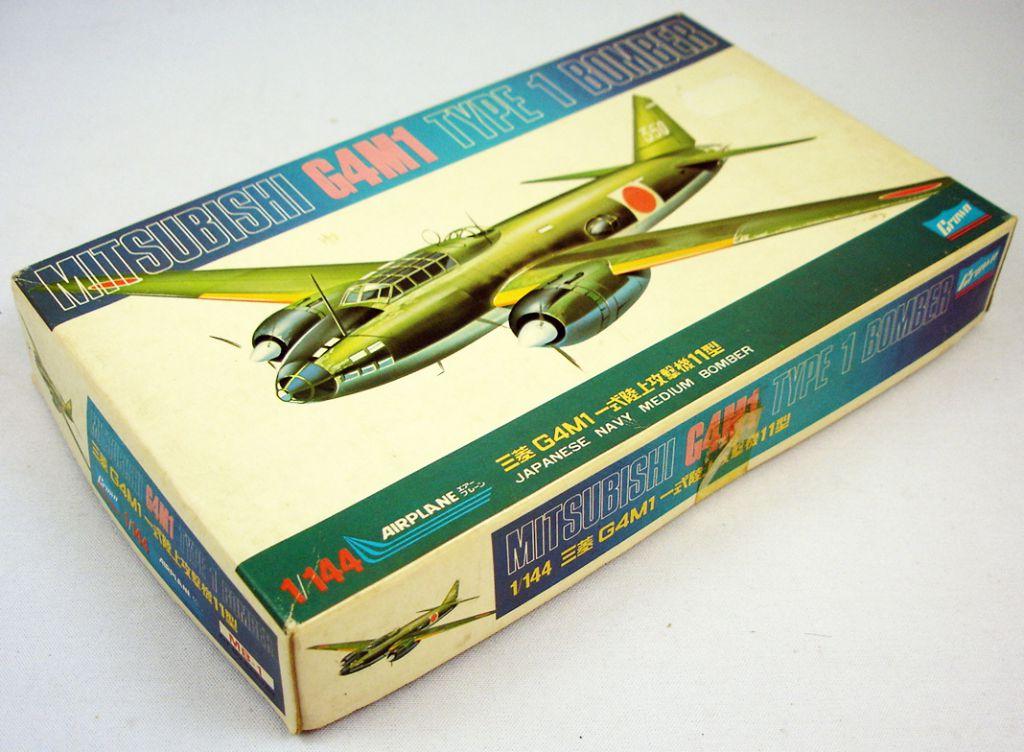 Crown - N°445-100 Mitsubishi G4M1 Type 1 Bomber 1/144ème