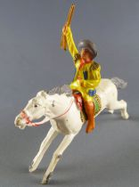 Cyrnos - Wild-West - Cow-Boys Mounted brandishing rifle white galloping horse