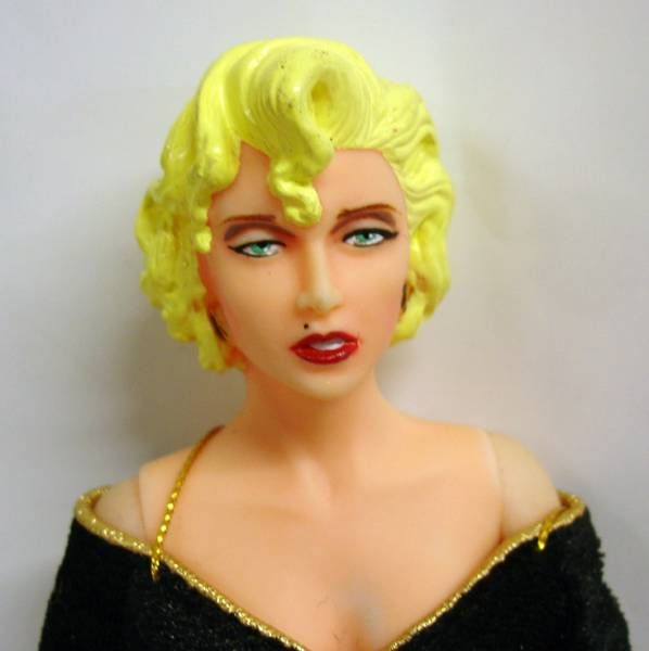 Dick Tracy - Applause 9\'\' doll - Breathless Mahoney (Madonna)