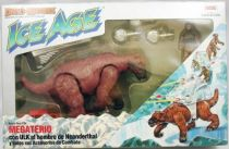 Dino Riders Ice Age - Giant Ground Sloth with Ulk - Comansi Spain