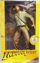 Disney park exclusive - Indiana Jones 10\'\' vinyl statue