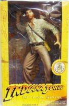 Disney park exclusive - Indiana Jones 10\'\' vinyl statue
