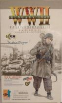 Dragon Models - GUSTAV MAGNOR \'\'Winter Panzergrenadier NCO Wiking Division Oberscharführer\'\' Hungary 1945