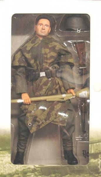 Dragon Models - WOLF Wechmacht Grenadier Private Schütze East Prussia 1945