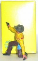 Elastolin - Cow-boys - Footed kneeling firing pistol rifle on ground (yellow & brown) (ref?)