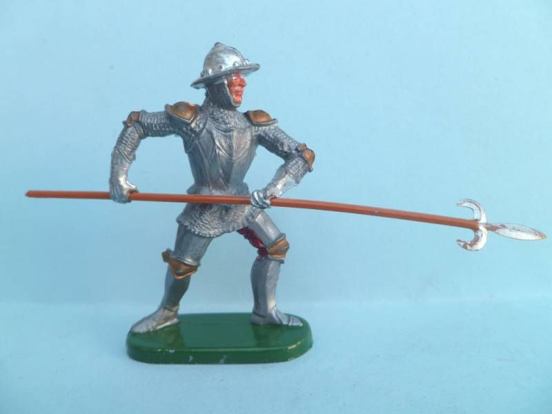 Elastolin - Middle age - Footed Trooper attackng with pike soft plastic(ref 8935)
