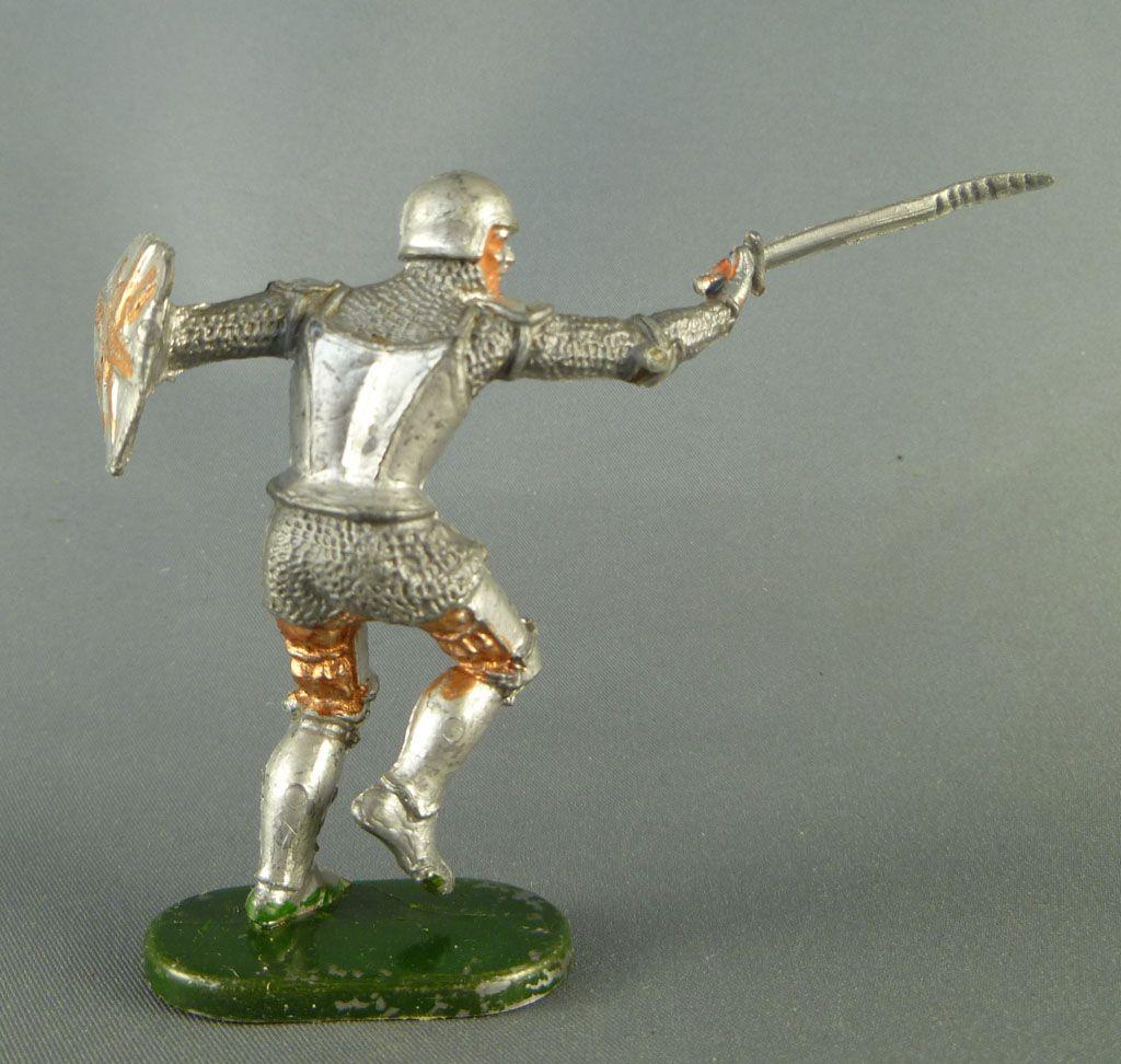 Elastolin - Moyen-âge - Pièton Homme d\'arme attaquant épée réf 8939 2