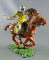 Elastolin Preiser - Middle age - Trooper mounted with axe yellow dress brown horse (ref 8854)