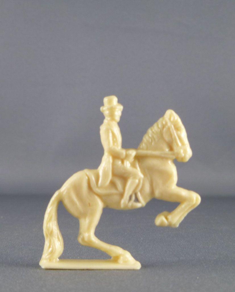 figurine_publicitaire_cafe_scarpia___sanal___bresilia_pere_queru___cirque_sarasini___ecuyer_sur_cheval_cabre_1