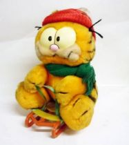 Garfield - Dakin & Co. Plush - Garfield takes the mountain