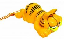Garfield - Phone - Garfield lying